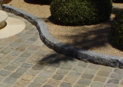 H404-Antique Reclaimed Cobble - antique Limestone Curb