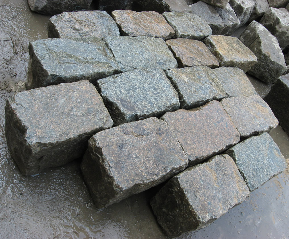 Cobblestone Stones For Driveways : Are reclaimed old granite cobblestones gauged antique